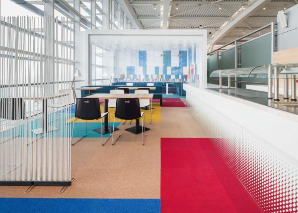 Interiorismo en sala de aeropuerto