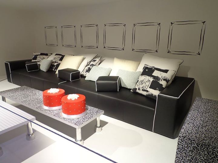 Feria mueble milan perfect salone del mobile stand montis for La europea muebles
